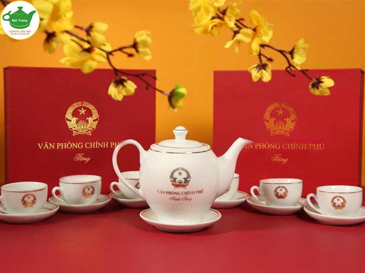Bộ ấm chén dáng Minh Long in logo theo yêu cầu